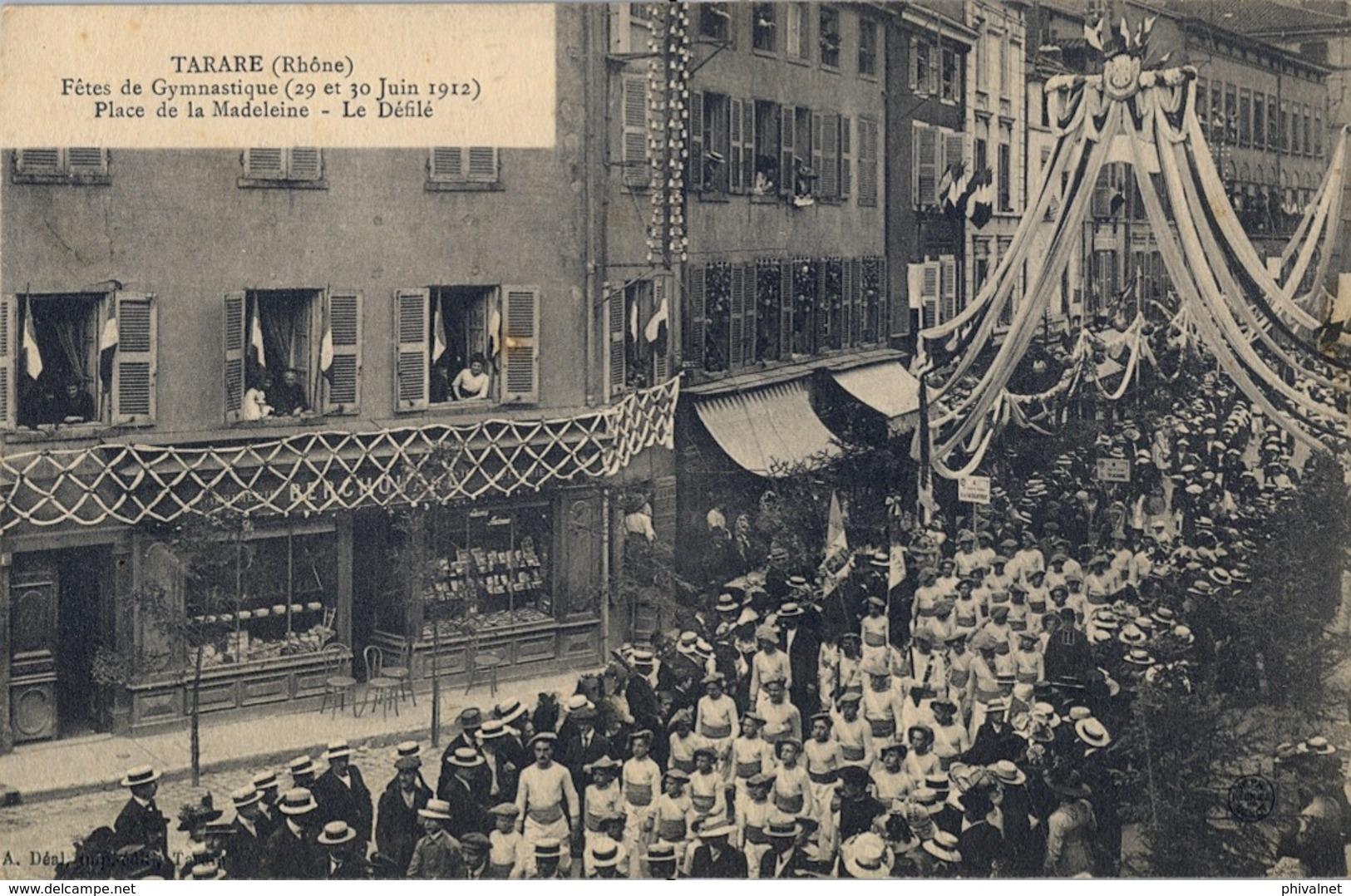 1912 FRANCIA - TARARE , T.P. SIN CIRCULAR ,  FÉTES DE GYMNASTIQUE , GIMNASIA , LA MADELEINE , LE DÉFILÉ - Gimnasia