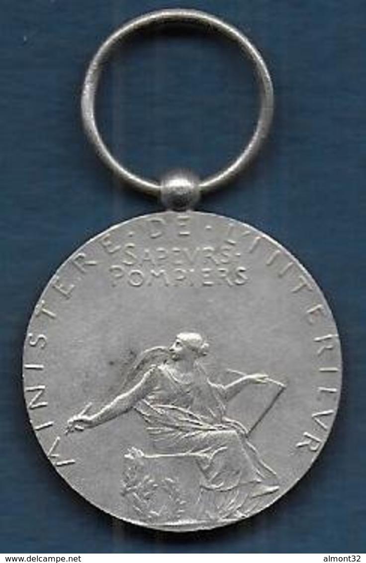 Sapeurs Pompiers - Médaille En Argent - Non Classés