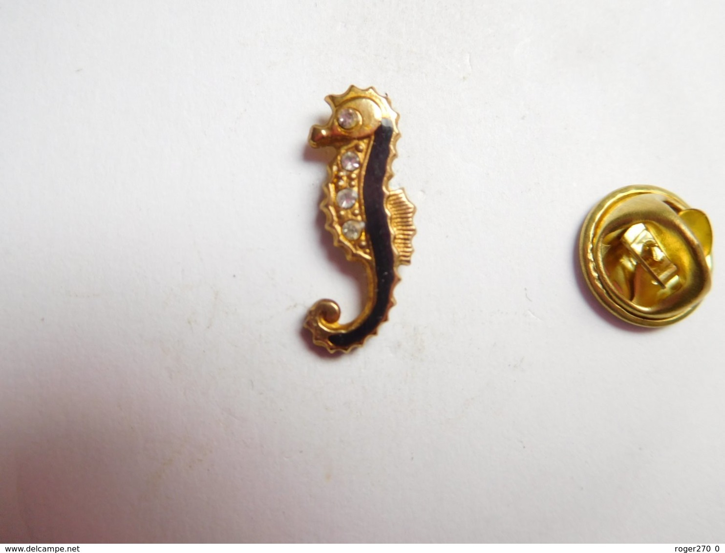 Beau Pin's , Hippocampe Incrusté De Brillants - Animaux