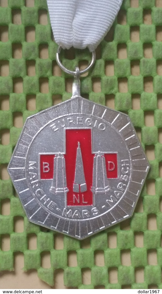 Medaille :Netherlands  -  Euregio -Marche - Mars- Marsch -   Medal - Walking Association - Paesi Bassi