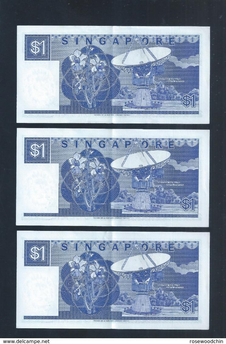 Banknote - Singapore $1 Ship Series 3 Runs Number B/16-333603-605 (#135) XF - Singapore