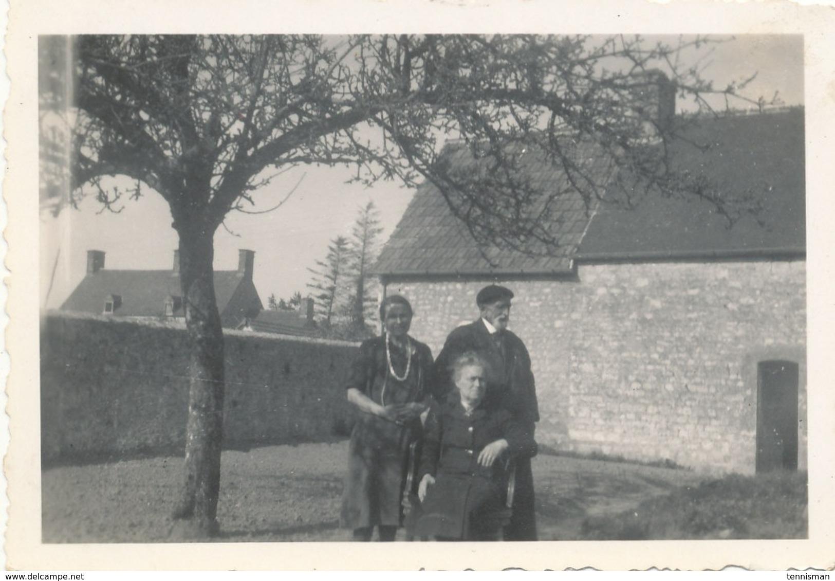 FRESVILLE  3 Photos Originales De 1944 ( Maison Des Parents REY ) - Foto
