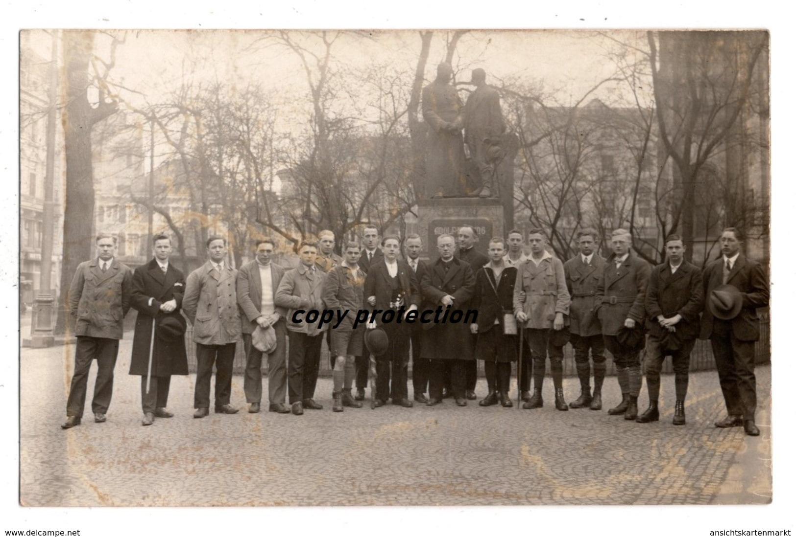 Köln, Besucher Vor Adolf Kolping Denkmal, Foto Postkarte - Köln