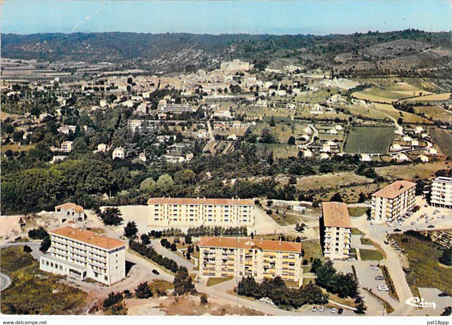 04 - GREOUX Les BAINS : Vue Générale Aérienne - Les Cités Nouvelles ( HLM Immeubles ) CPSM GF - Alpes De Haute Provence - Gréoux-les-Bains