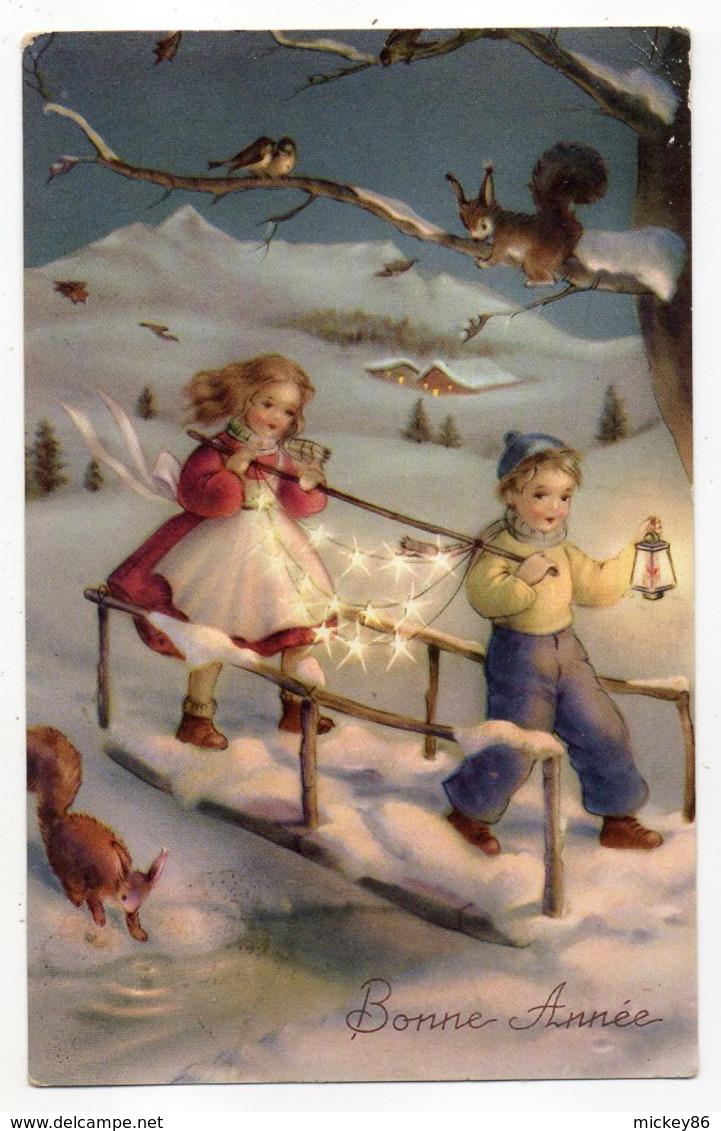 Nouvel An --Bonne Année--1952--Paysage De Neige ,enfant Et Fillette ,lanterne,écueuils Et Oiseaux (animée) - Nouvel An