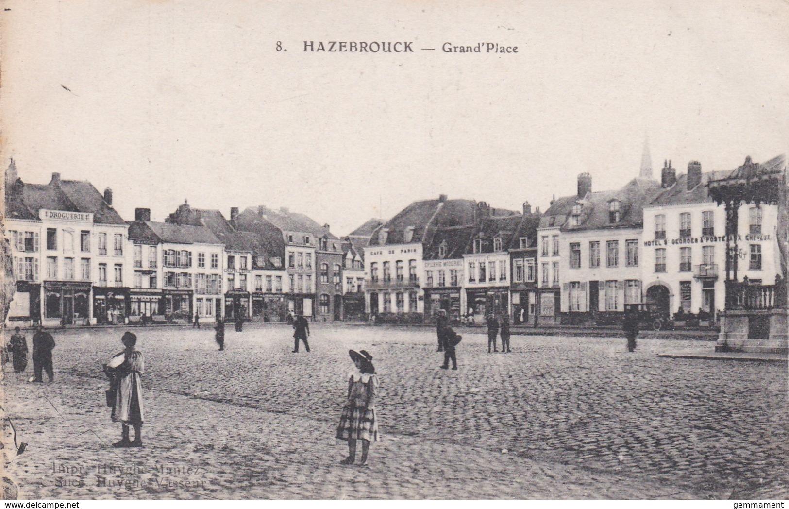 HAZEBROUCK - GRAND PLACE - Hazebrouck