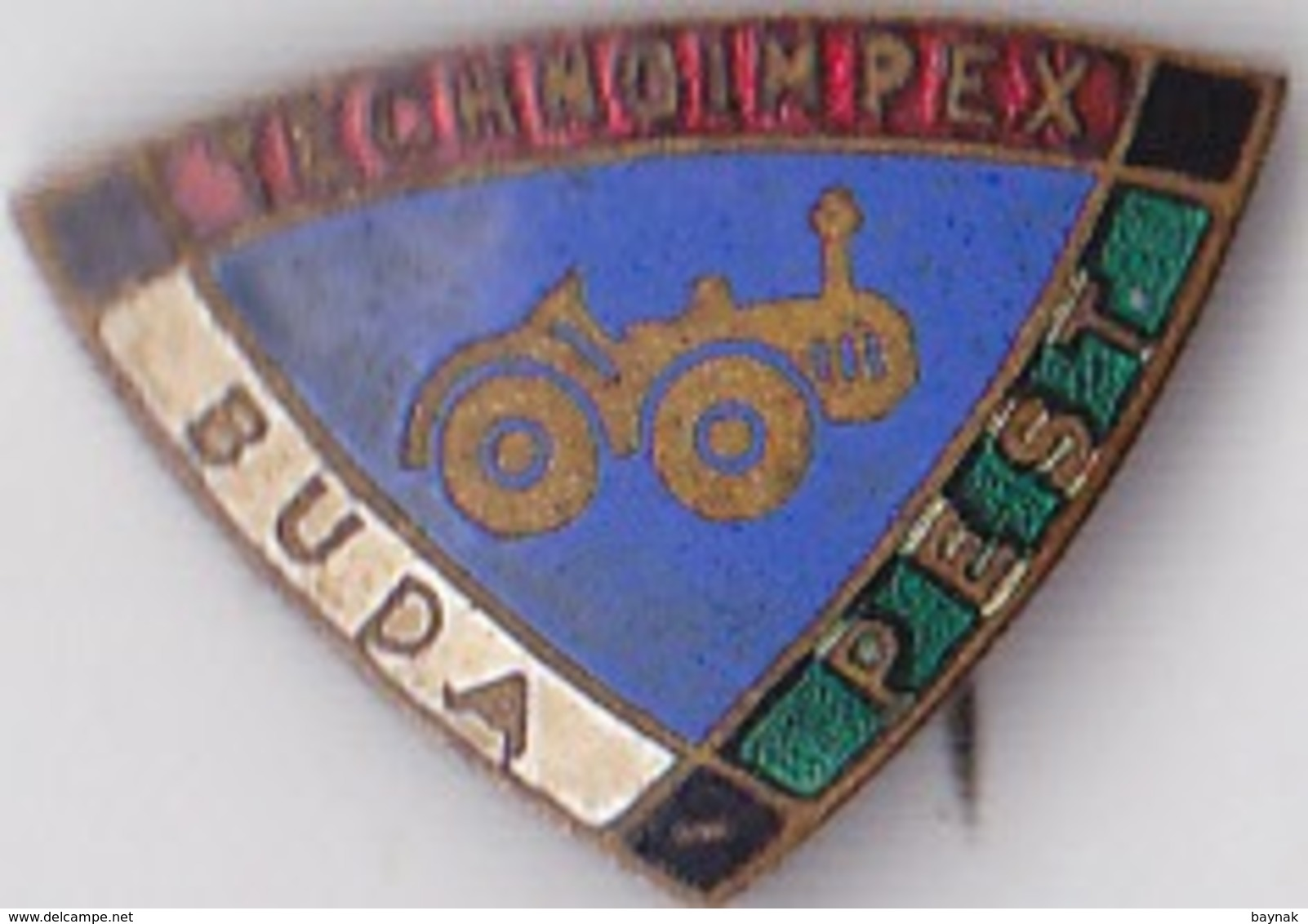 OLD PIN  --   HUNGARY --  TECHNOIMPEX  --  BUDAPEST  --  TRACTOR - Pin's & Anstecknadeln
