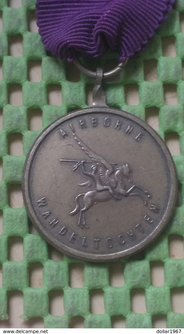 Medaille :Netherlands  -  Airborne Wandeltocht Renkum  / Vintage Medal - Walking Association - Other