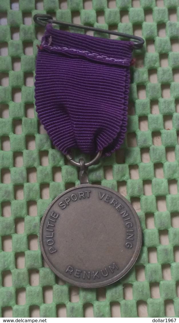 Medaille :Netherlands  -  Airborne Wandeltocht Renkum  / Vintage Medal - Walking Association - Nederland