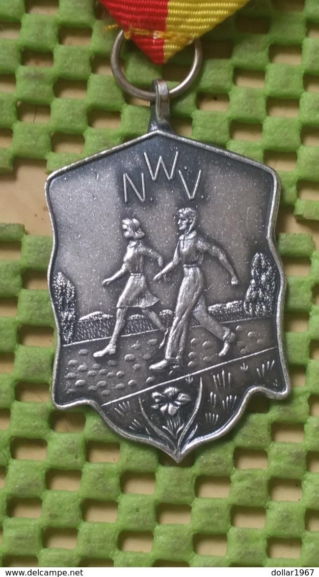 Medaille :Netherlands  - N.W.V Lentemars Nijmegen   / Vintage Medal - Walking Association - Pays-Bas