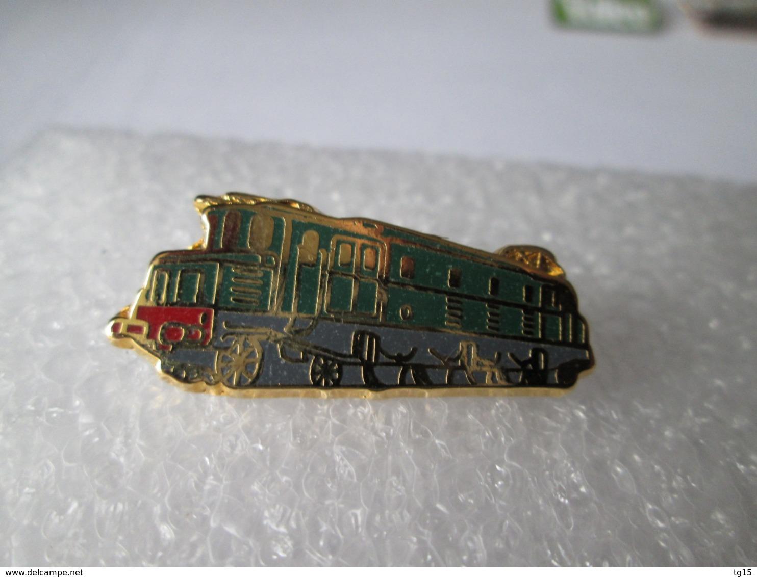 PIN'S    TRAIN  E 525  Zamak  Metargent - TGV