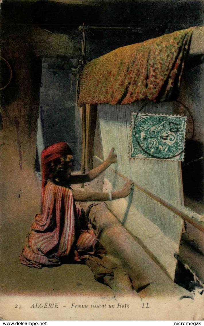 Algérie - Femme Tissant Un Haïk - Algeria