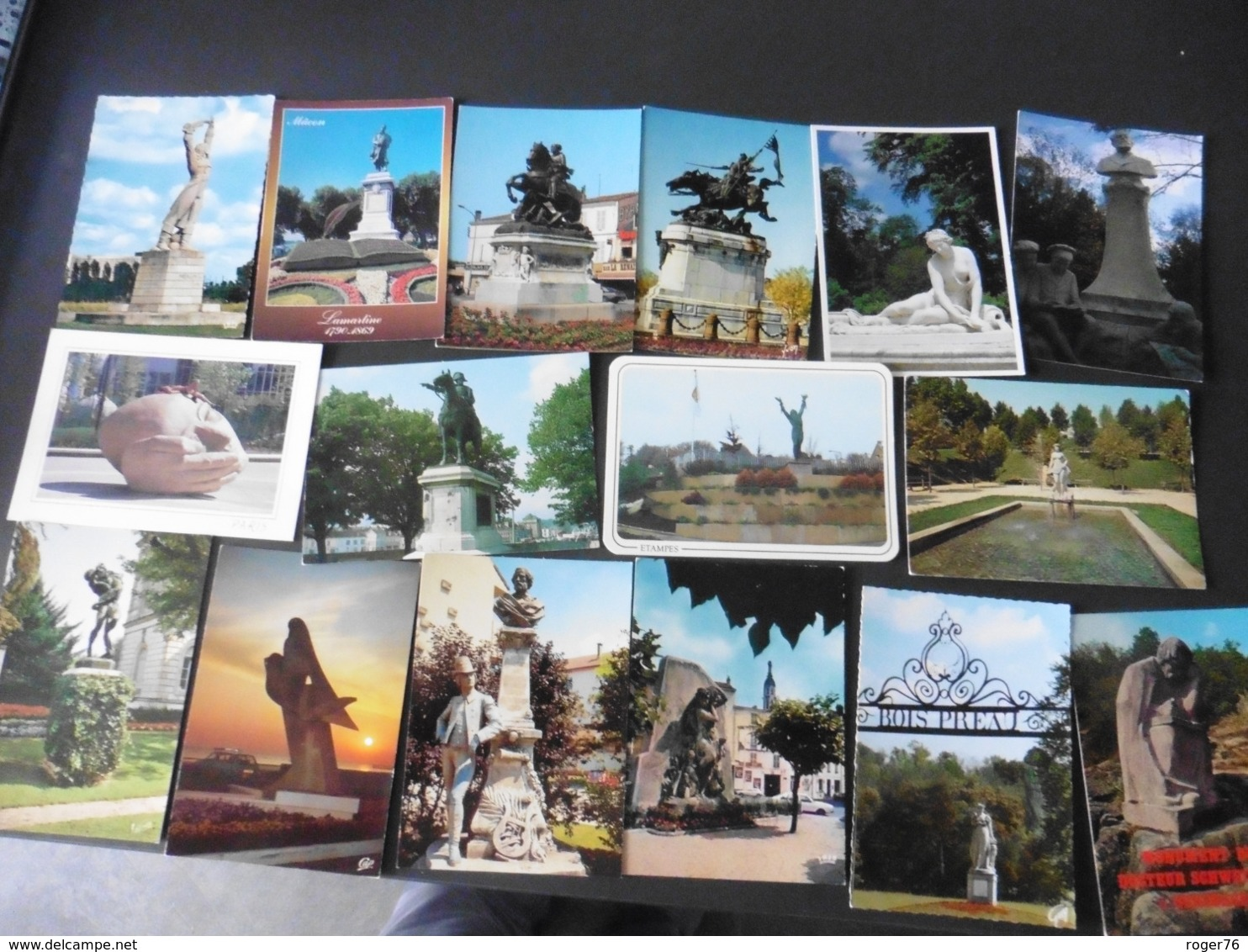 LOT  DE  140    CARTES  POSTALES   STATUES   DANS  LA  VILLE - Cartes Postales