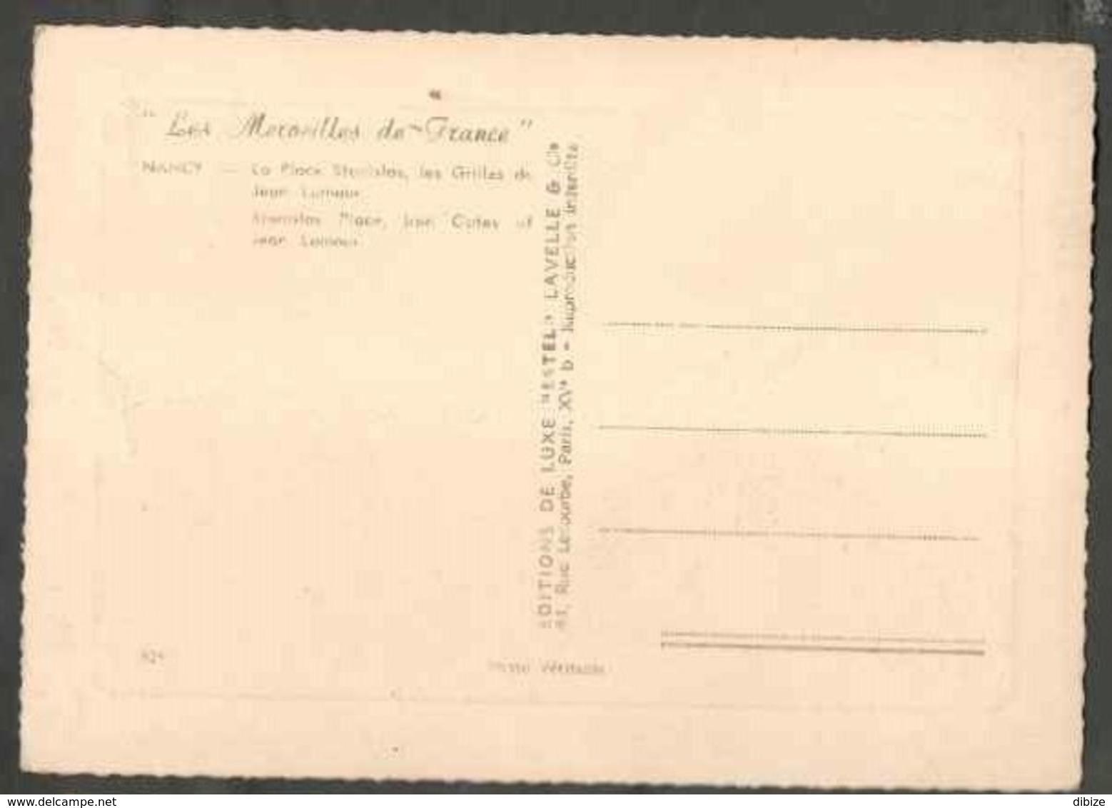 CPSM. Les Merveilles De France. Nancy. La Place Stanislas. Les Grilles De Jean Lamour. Vielles Voitures. Etat Moyen. Pli - Monuments