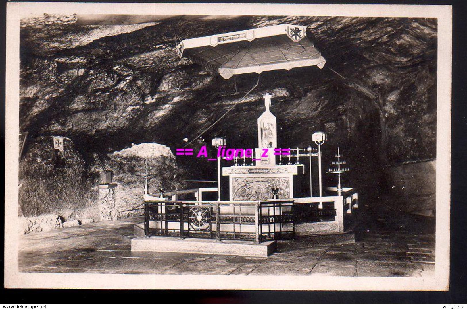 REF 437 : CPA Notre Dame De Remonot Intérieur De La Grotte - France