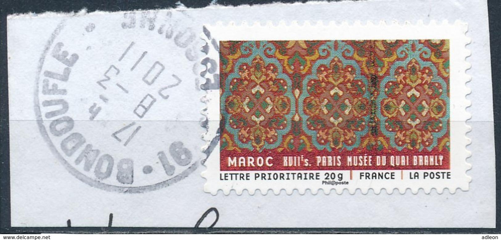 France - Tissus Du Monde - Maroc YT A522 Obl. Cachet Rond Manuel Sur Fragment - Adhésifs (autocollants)