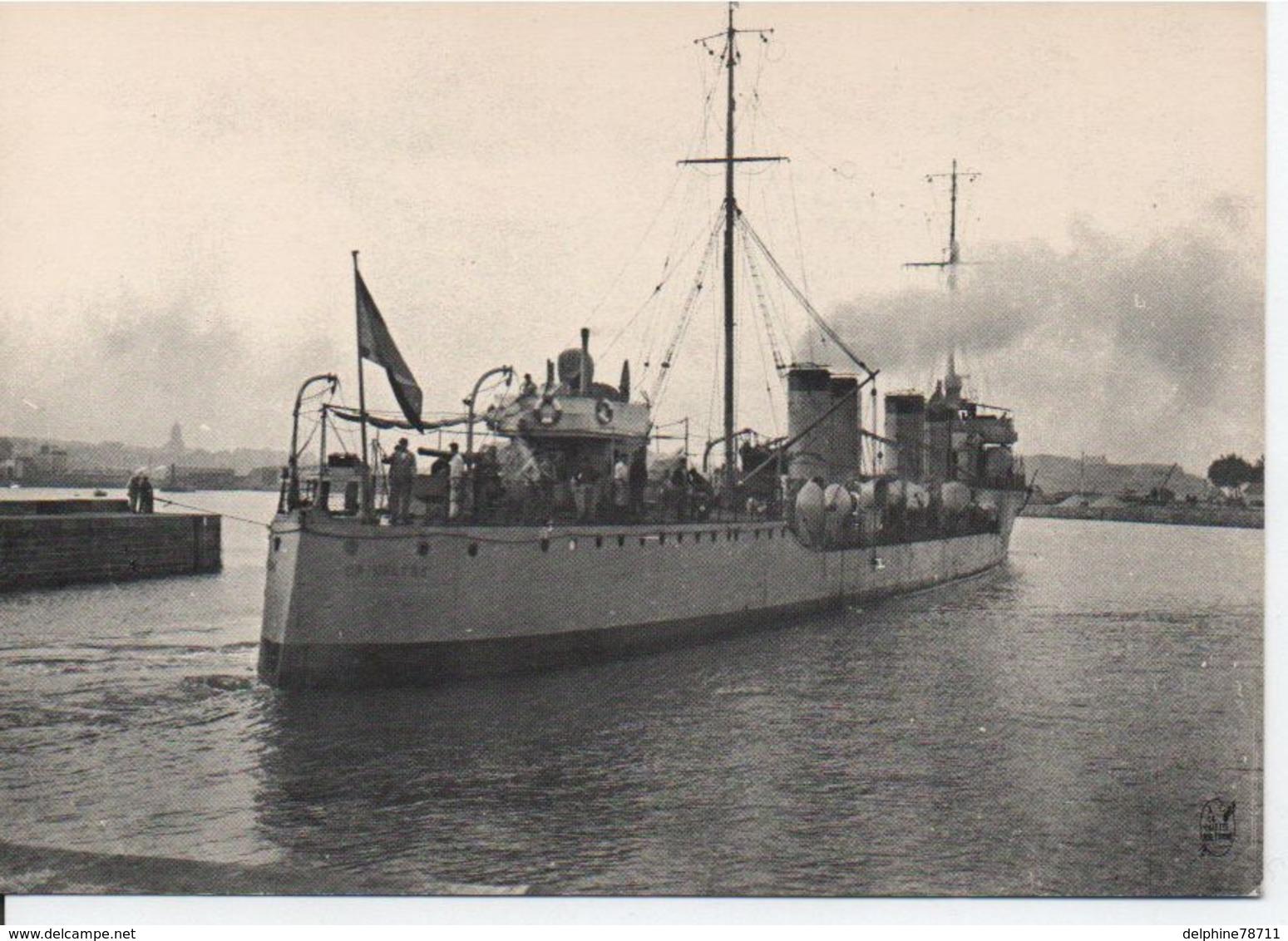 """SAINT MALO- Le Torpilleur D'escadre """"OPINIATRE"""" (ex RIOGA) Dans Le Bassin Vauban - Warships"""