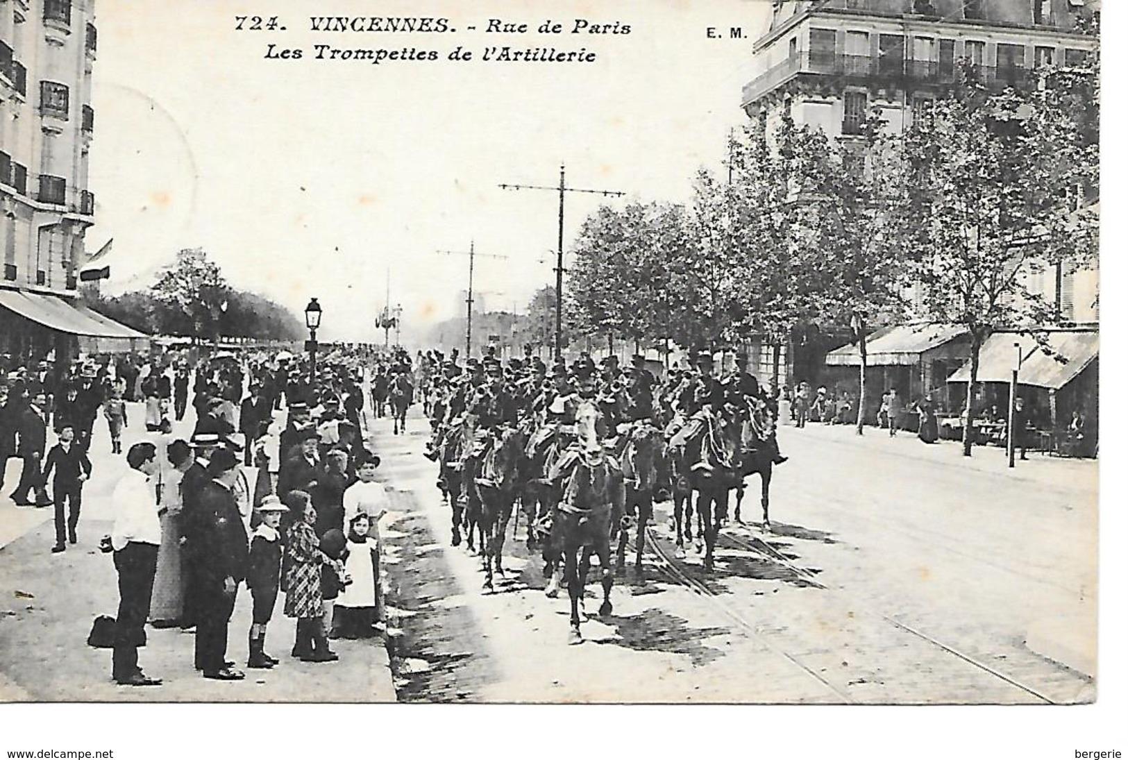 25/13       94   Vincennes     Rue De Paris    Les Trompettes De L'artillerie        ( Animations) - Vincennes