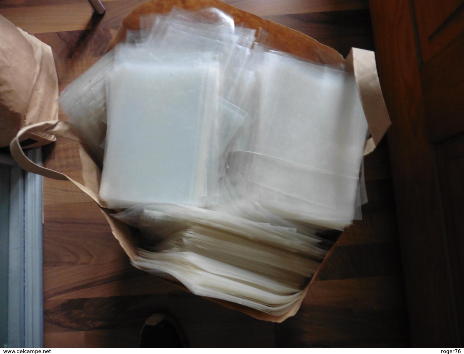 16 KILOS  DE  POCHETTES  PLASTIQUE  PROTECTION  POUR  CARTES POSTALES - Cartes Postales