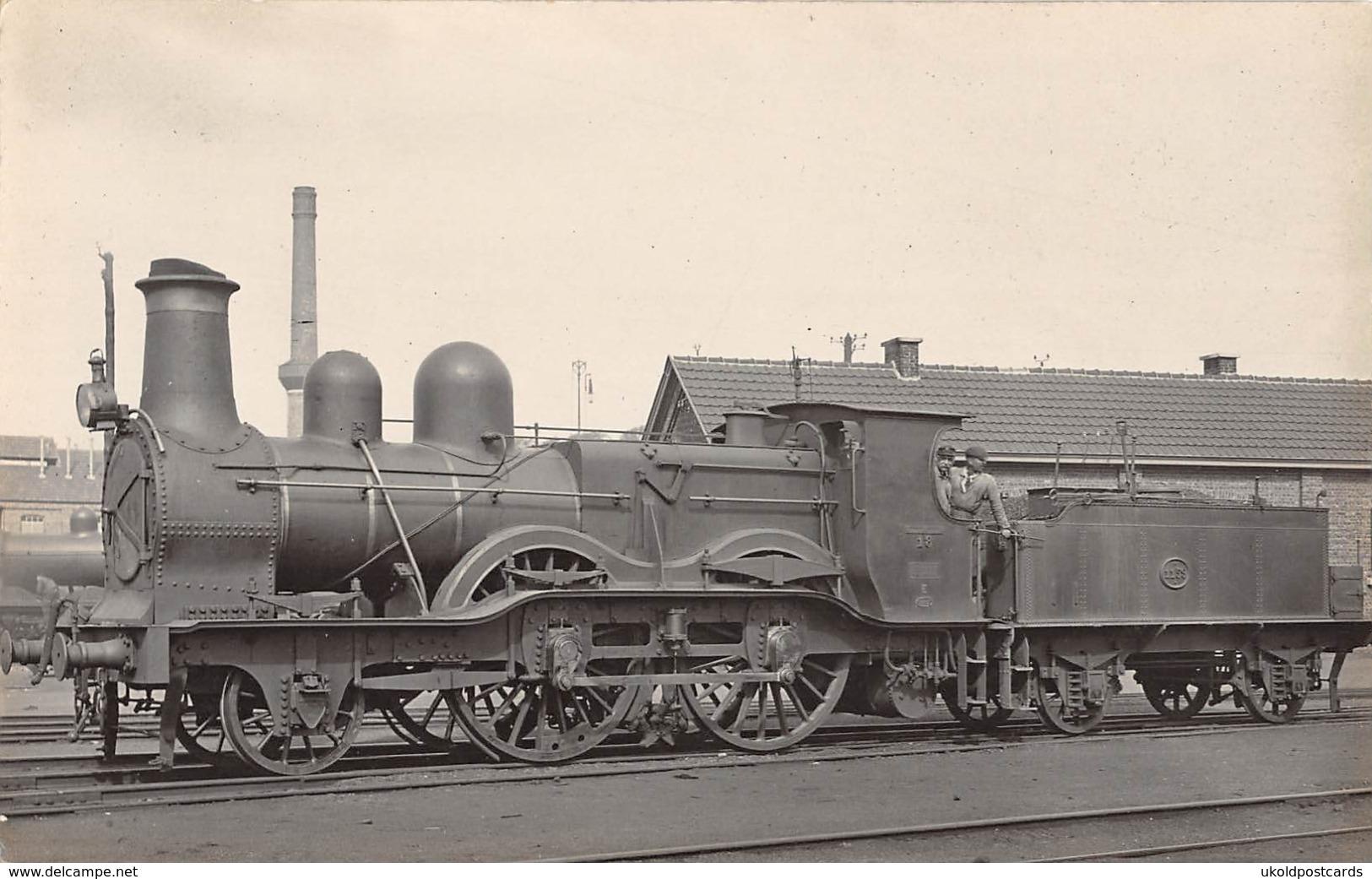 CPA -  Belgique,  Chemins De Fer Nationaux, Locomotive, 2-4-0,  No 18, Carte Photo. - Trains