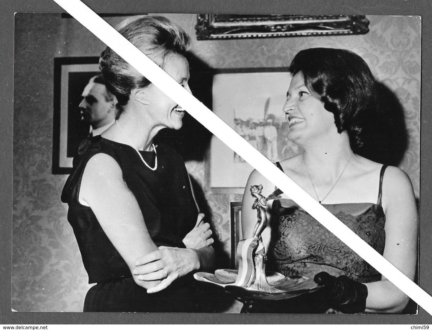 PHOTO PRESS -  Hrissa Pelissier  Jacqueline Auriol - 1964 - PARIS - AVIATRICE - Aviazione