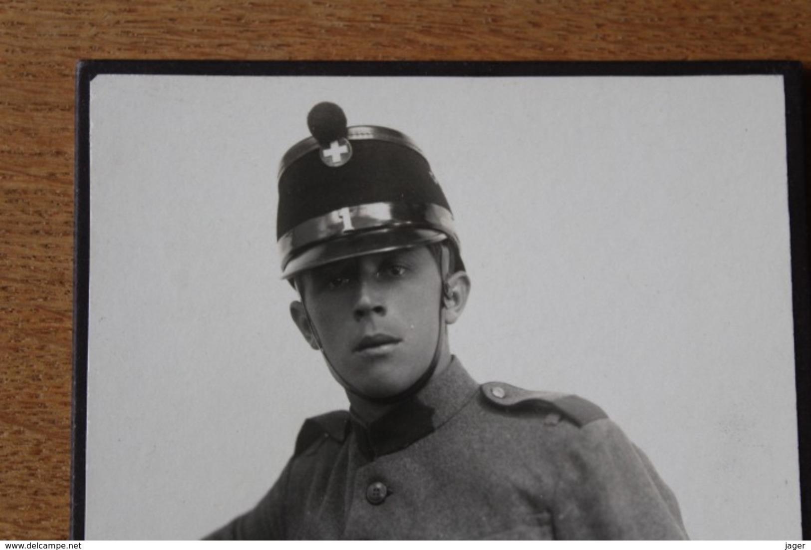 Cabinet Armée Suisse Vers 1910 1914 N  Shako Et Baïonnette  Identifié - War, Military