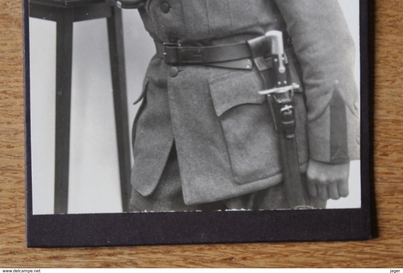 Cabinet Armée Suisse Vers 1910 1914 N  Shako Et Baïonnette  Identifié - Guerra, Militari