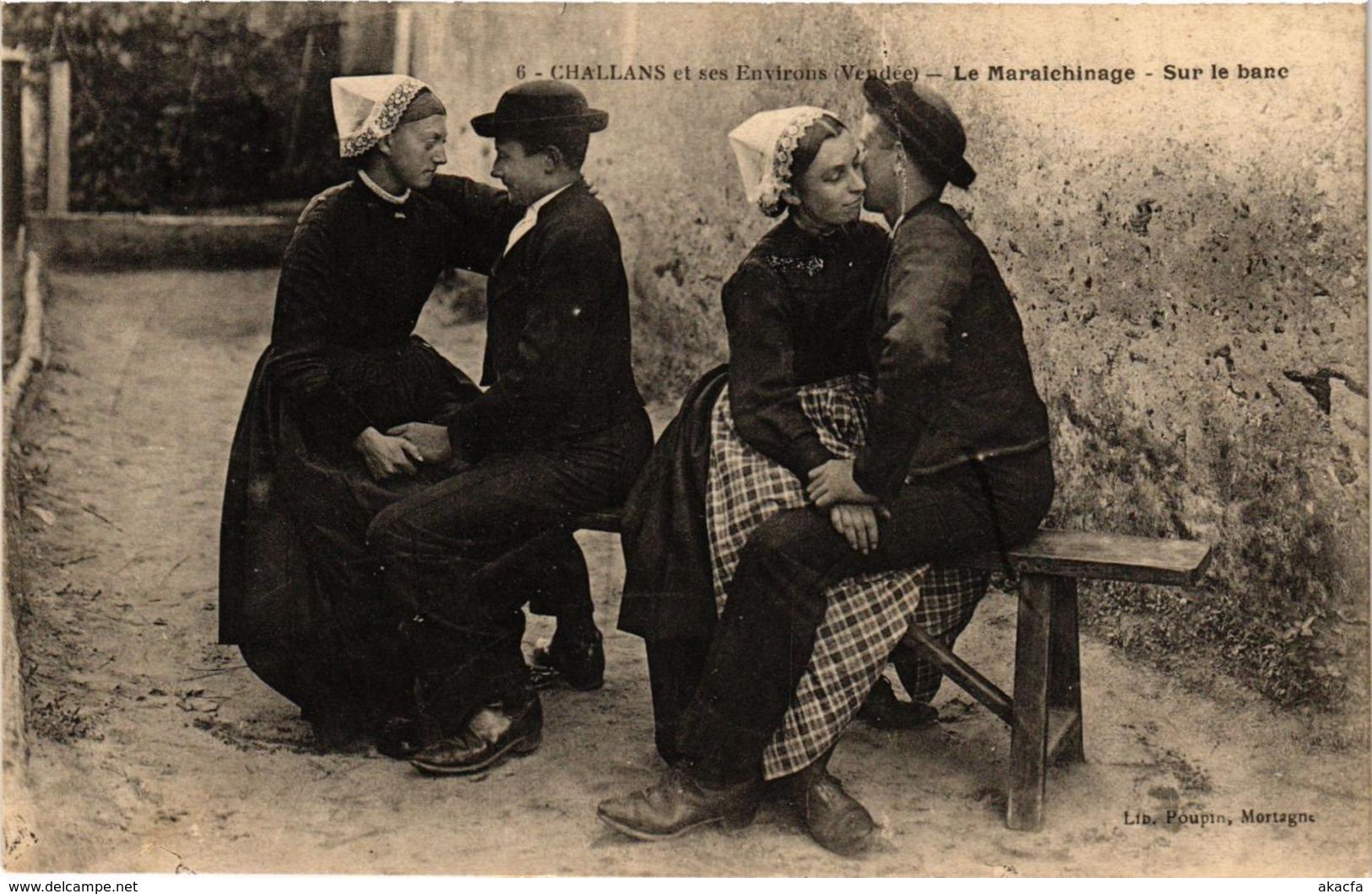 CPA CHALLANS Et Ses Envirous - Le Maraichinage - Sur Le Banc (297628) - Challans
