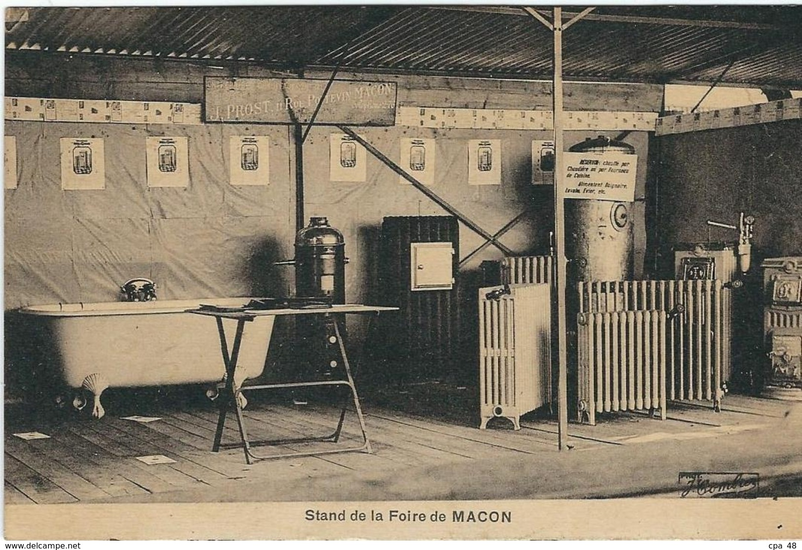 SAONE ET LOIRE : Macon, Stand De La Foire... - Macon