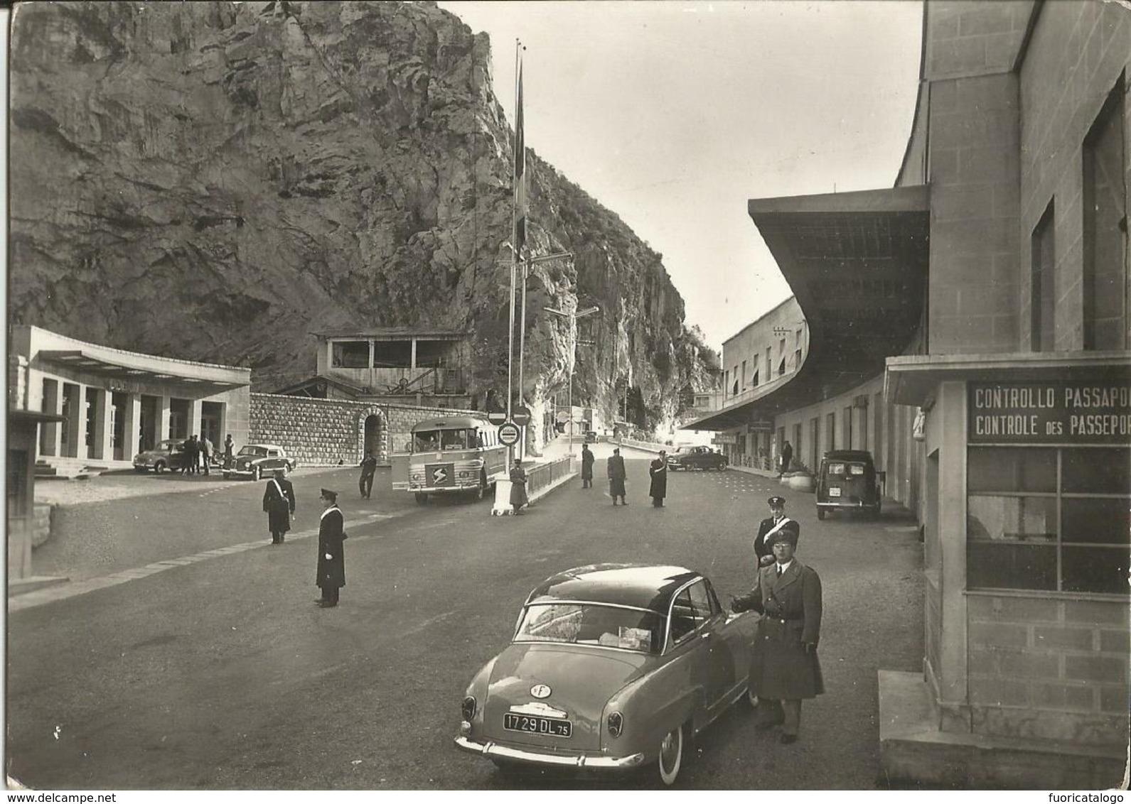 GRIMALDI(IMPERIA) PIAZZALE DOGANA ITALIANA -AUTO E BUS D'EPOCA -FG - Imperia