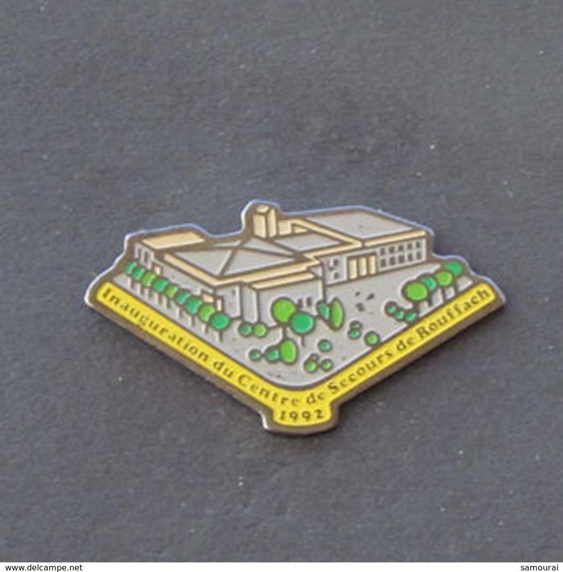 1 Pin's Sapeurs Pompiers De ROUFFACH (HAUT RHIN - 68) - Bomberos