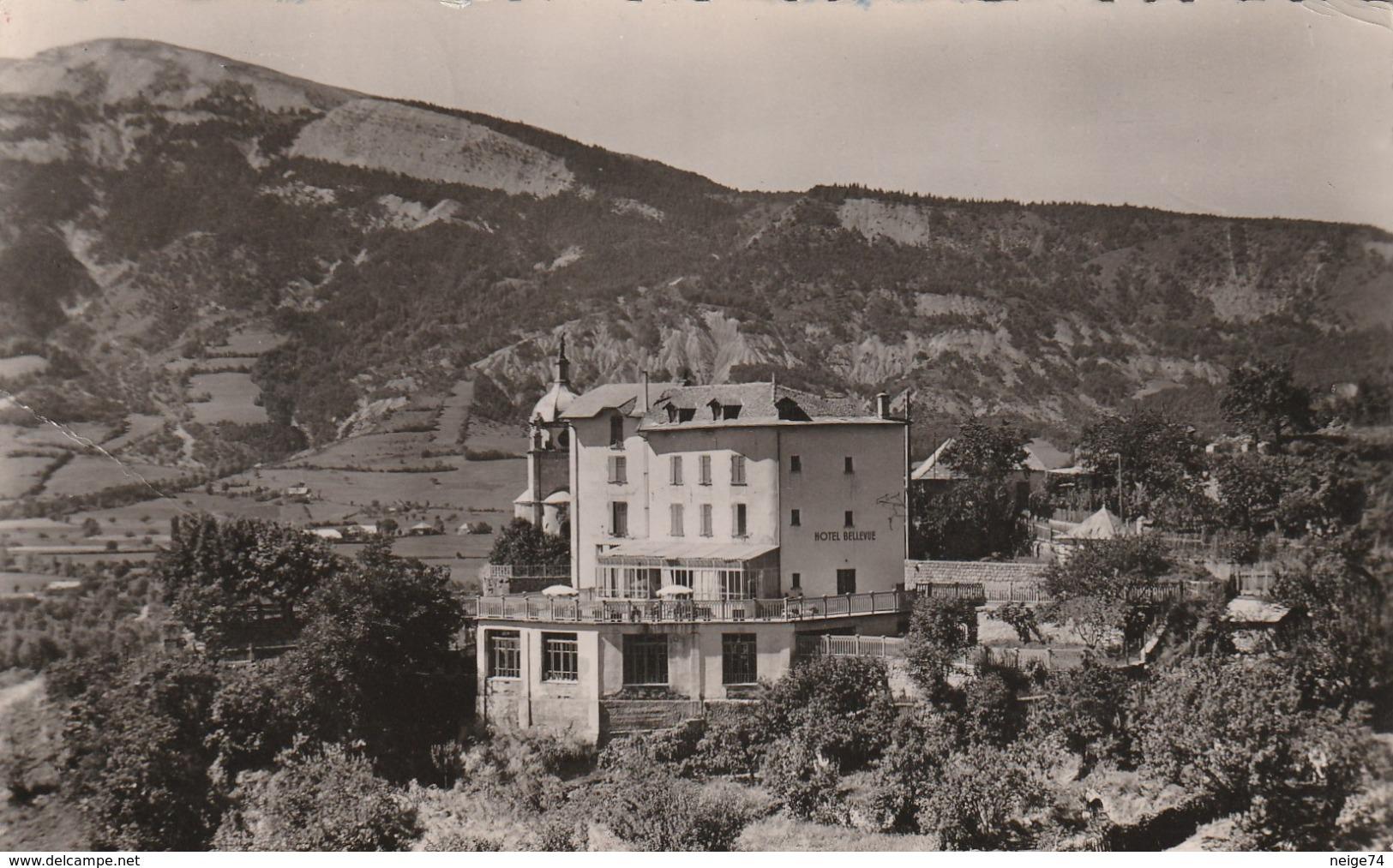 Carte Postale Des Années 50-60 Des Alpes De Haute-Provence - Seyne Les Alpes - Hotel Bellevue - Vue Sur Chabanon - Francia