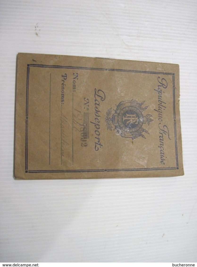 PASSEPORT REPUBLIQUE FRANCAISE  1945 PARIS 1947  TBE - Vieux Papiers