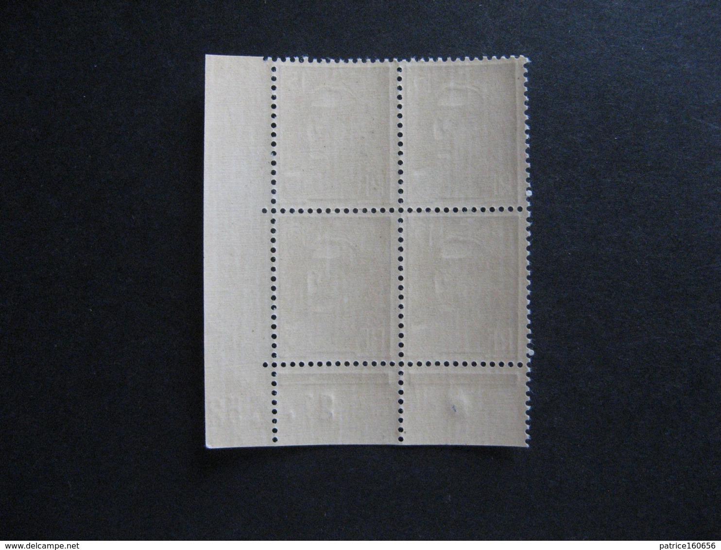 F). Bloc De 4 Coin Daté:  21.08.1952 Du N° 886, Neuf XX . - 1950-1959