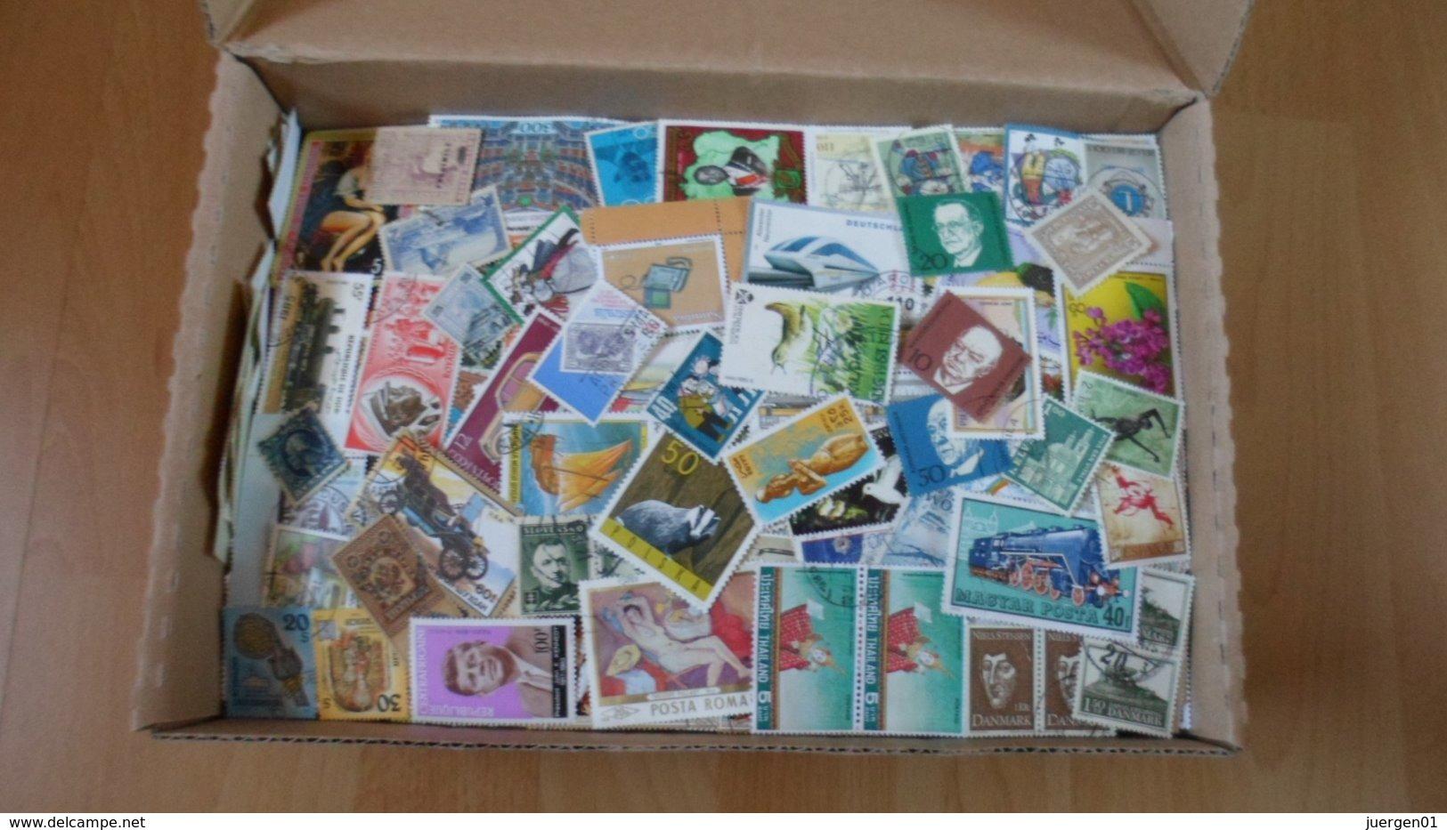 1,3 Kilo Alle Welt Papierfrei - Netto ! - Briefmarken