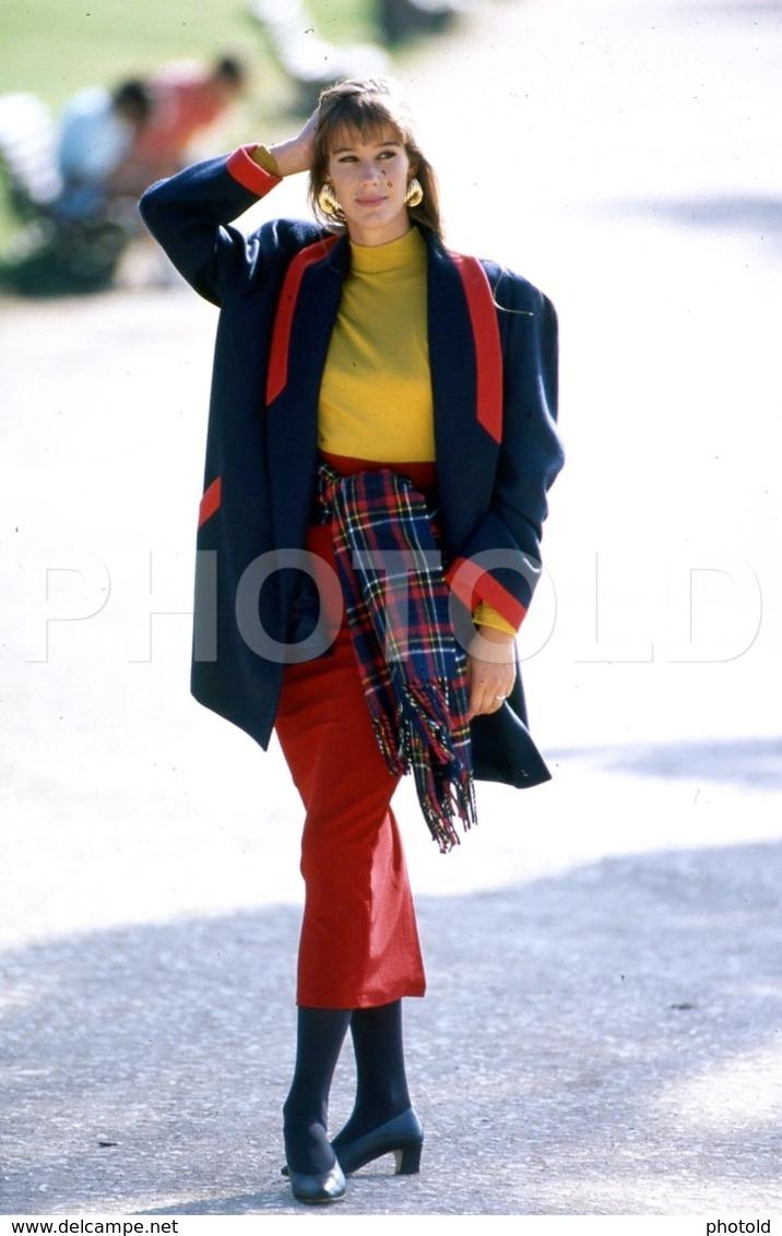 C 1990 SEXY FEMME GIRL MODEL FASHION MODELO MODA LISBOA PORTUGAL 35mm DIAPOSITIVE SLIDE NO PHOTO FOTO B4898 - Dias