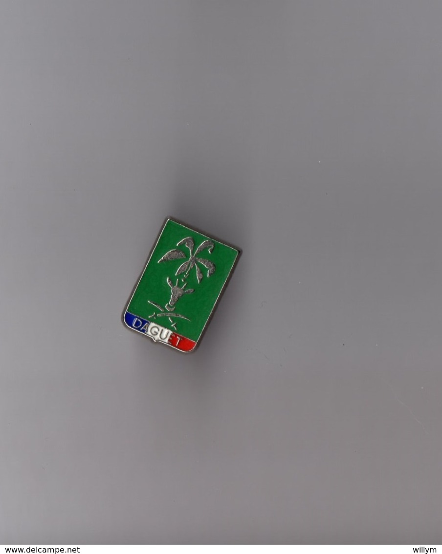 Pin's Armée / Insigne Opération Daguet - Guerre Du Golfe (zamac Argenté Signé YD (Delsart)) Hauteur: 1,8 Cm - Militaria