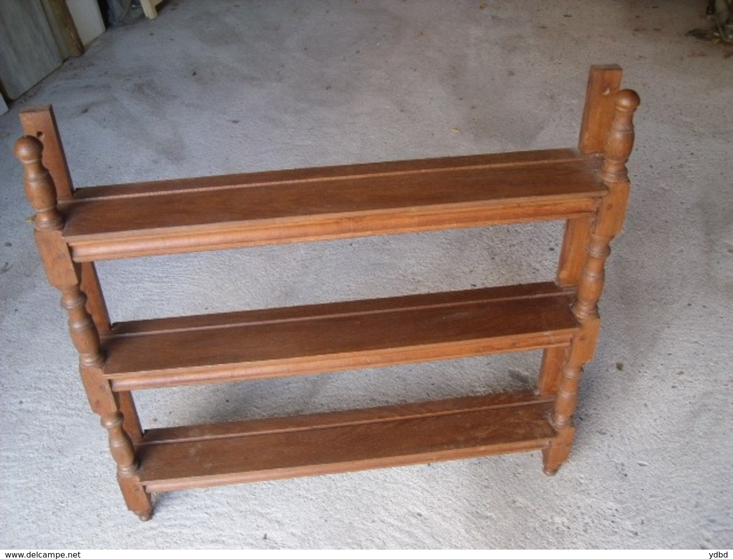 MEUBLE ETAGERES = UN SUPPORT  MURAL - Furniture