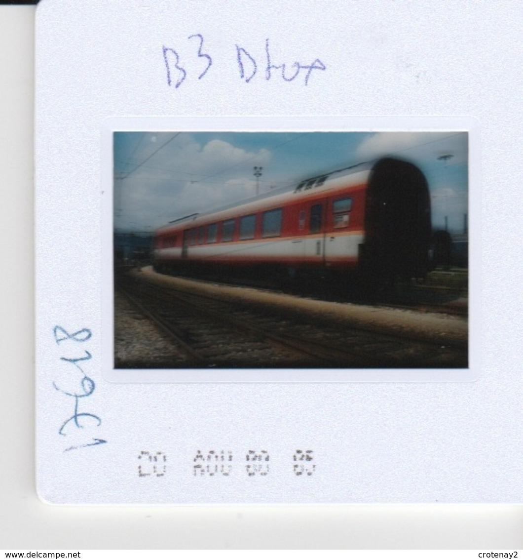 Photo Diapo Diapositive Slide Train Wagon Voiture Mixte Fourgon Le 05/08/2000 VOIR ZOOM - Dias