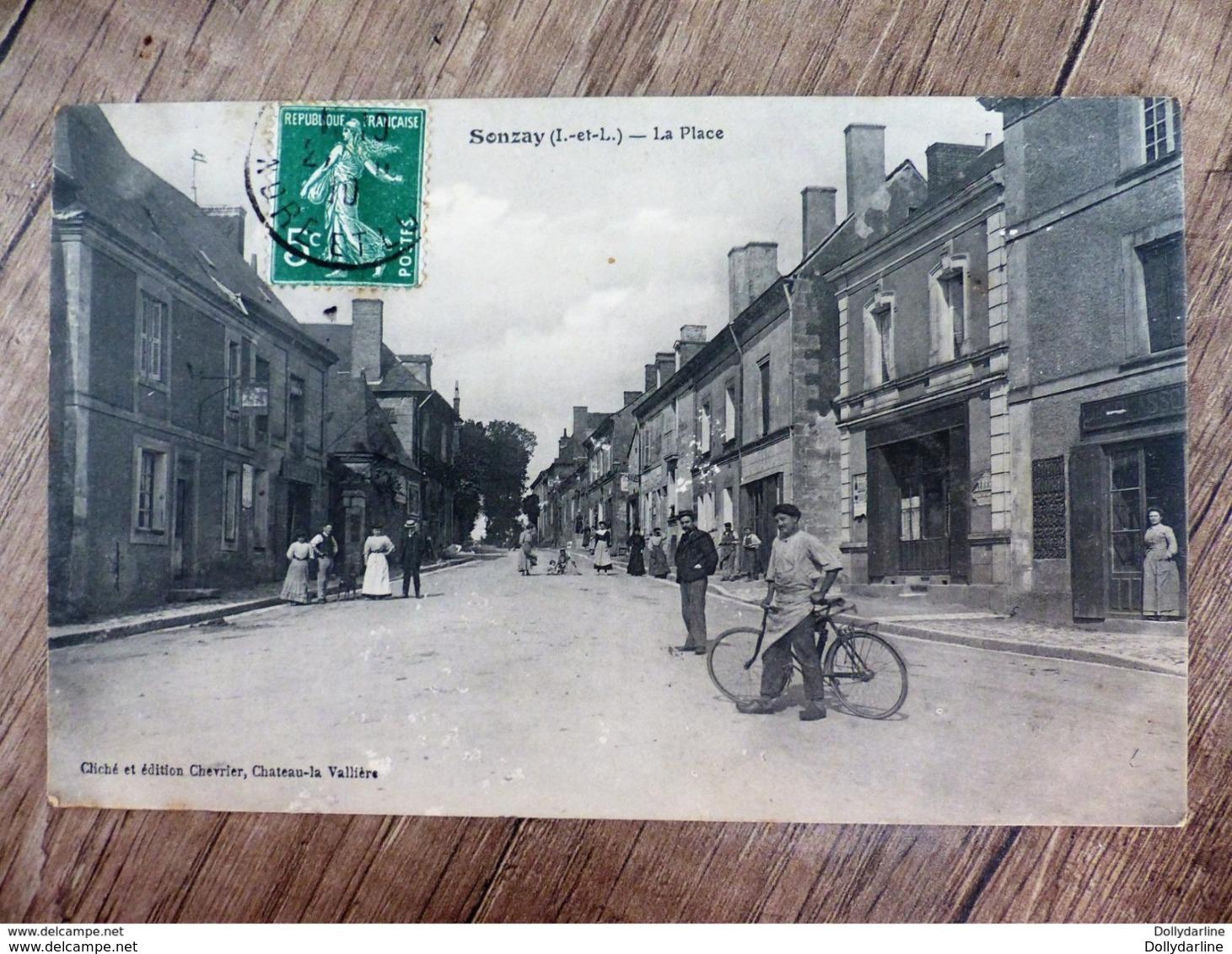 CPA 37 Indre Et Loire SONZAY La PLACE Animée Vélo Ecrite - Otros Municipios