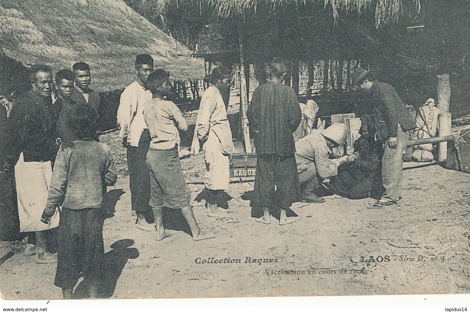 A P 451-  C P A -   LAOS -  VACCINATION EN COURS DE ROUTE - Laos