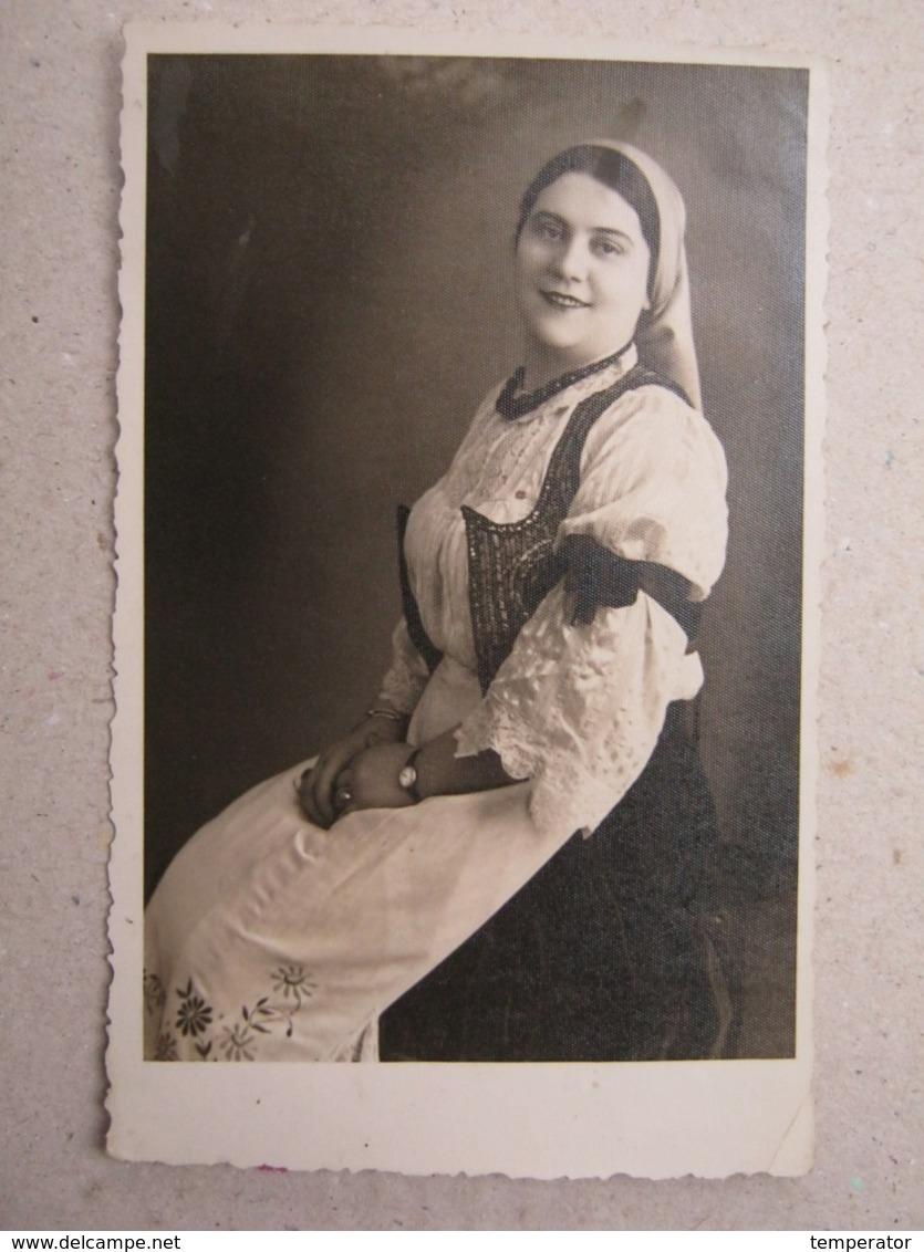 Serbia / Woman In National Costume ( Photoposcard ) - Dogana