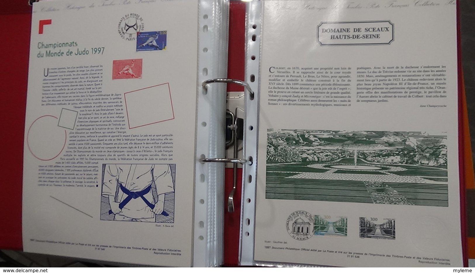 44 Documents Philatéliques An 1997 Complète (côte 2003 : 510 Euros) PORT 8.80 Euros COLISSIMO OFFERT (pour La France) - Timbres
