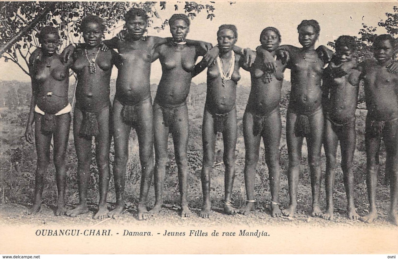 CPA AFRIQUE CENTRAFRICAINE  OUBANGUI - CHARI DAMARA Jeunes Filles De Race Mandjia - Zentralafrik. Republik
