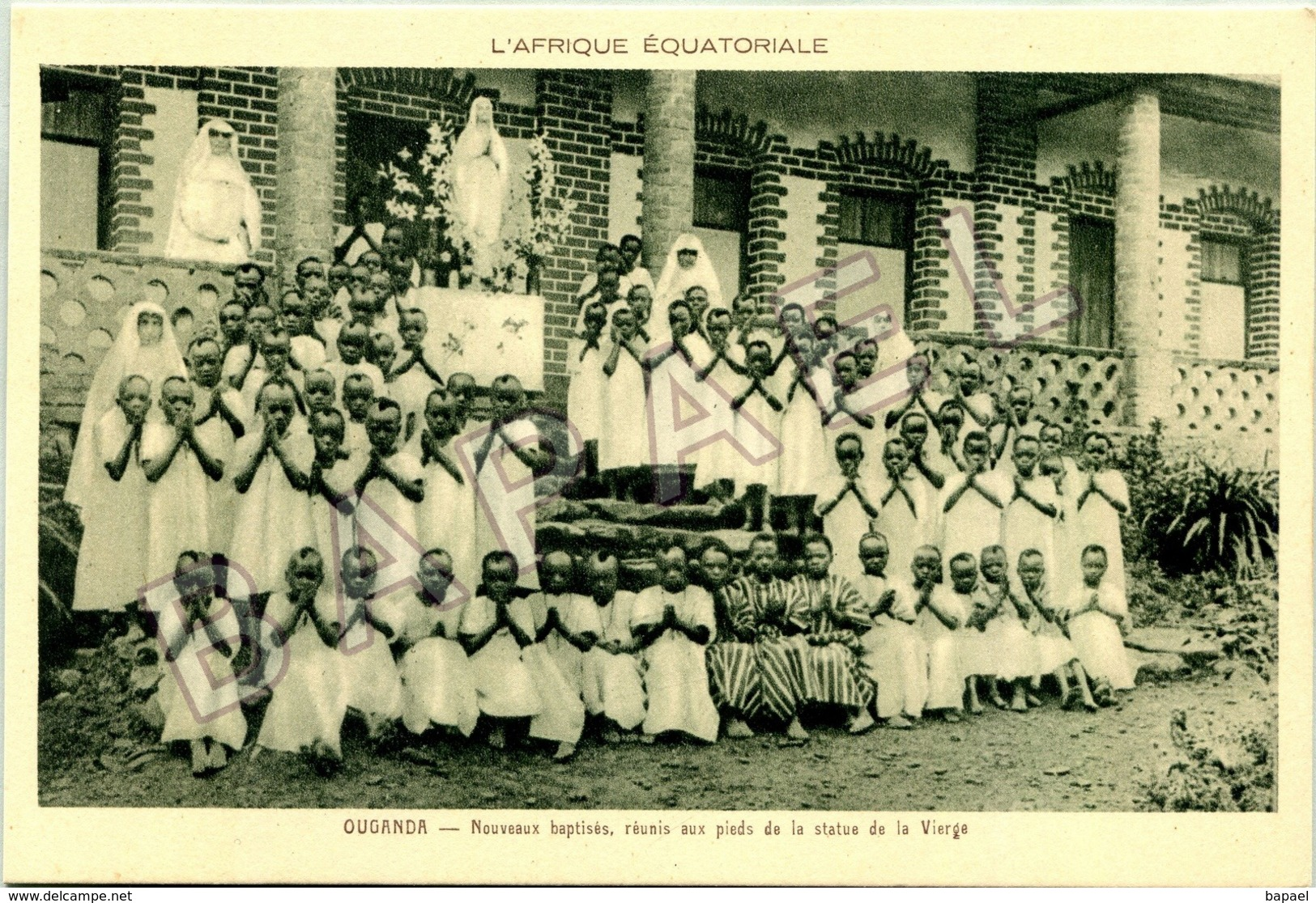 Ouganda (A.E.F.) - Nouveaux Baptisés Aux Pieds De La Vierge - Oeganda