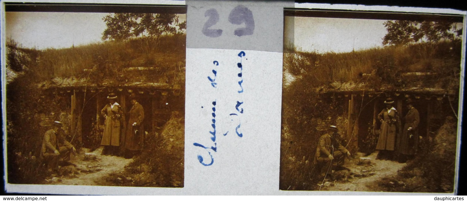 CHEMIN DES DAMES, 1920 : Un Abri De Tranchée. Plaque De Verre Stéréoscopique, Positif - Plaques De Verre