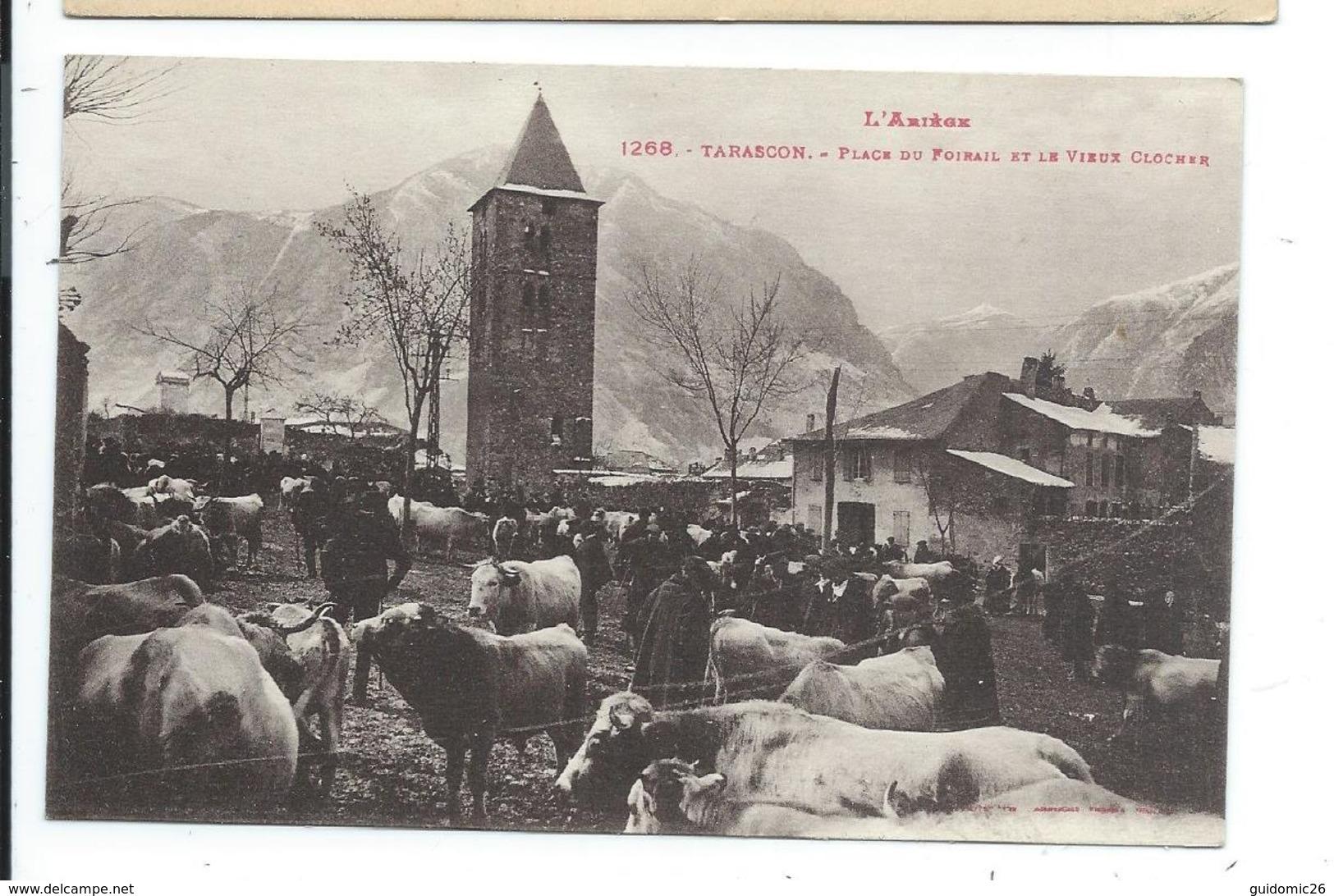 Tarascon ,place Du Foirail Et Le Vieux Clocher,marché - Autres Communes