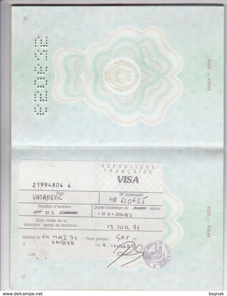 SFR YUGOSLAVIA   ---  PASSPORT  --  BOY, 14 YEAR --   1988  --  VISA FRANCE - Historische Dokumente