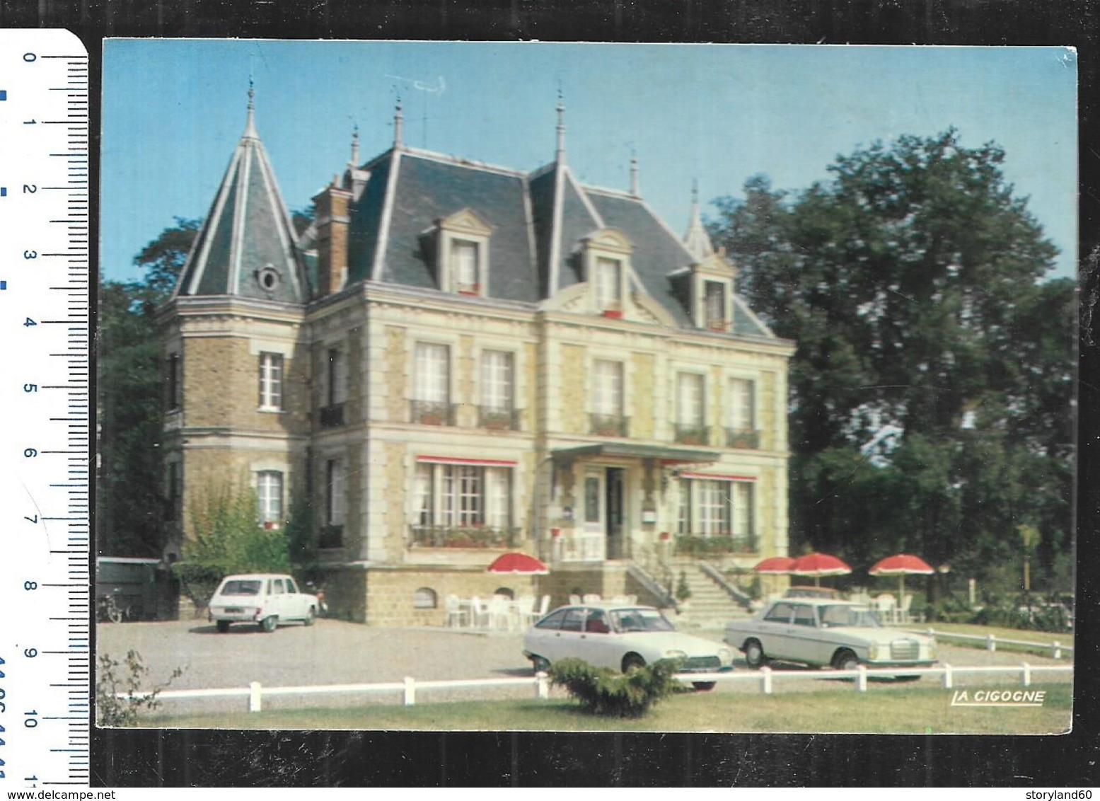 Cpm 039319 Hostellerie Du Parc Avenue De L'ile De France Liancourt ,mercédès, Citroen Cx - Liancourt
