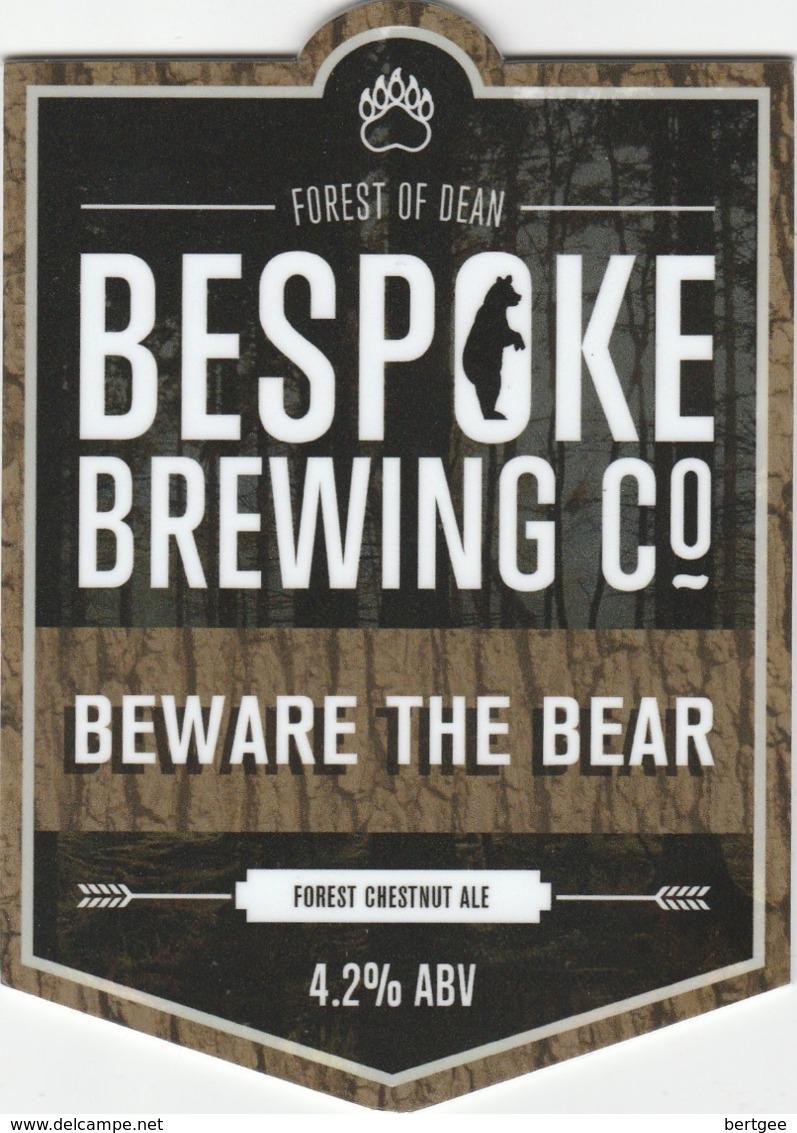 BESPOKE BREWING CO (MITCHELDEAN, ENGLAND) - BEWARE THE BEAR - PUMP CLIP FRONT - Uithangborden